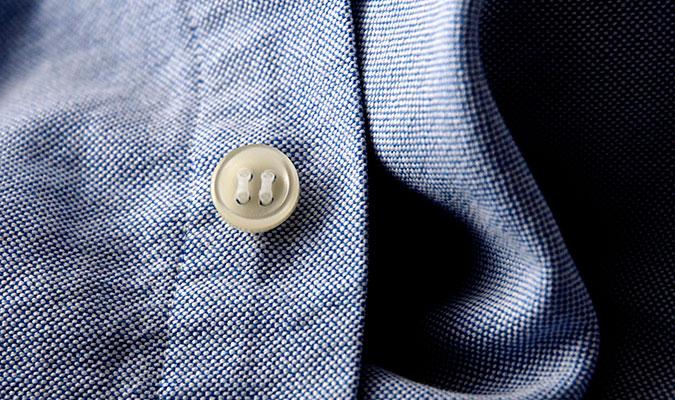 ボタンの素材を問わずに使えるボタン付け道具、tic。