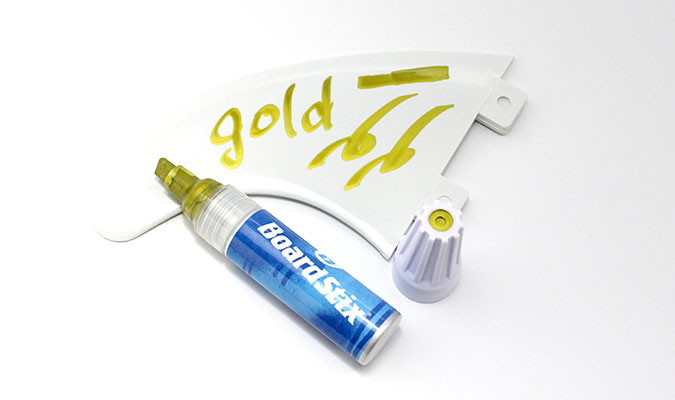 ボードスティックスに新色「ゴールド」が登場。