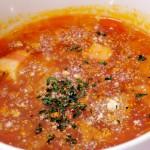 電子レンジ対応の野菜チョッパー、スープが簡単に作れます。