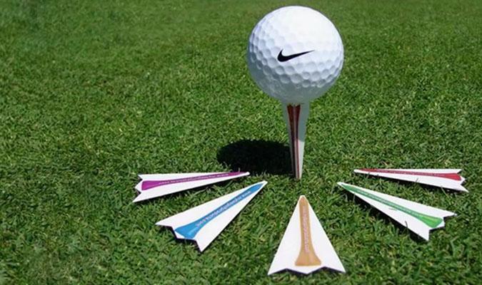 1枚のカードが6個のゴルフティーに早変わり。