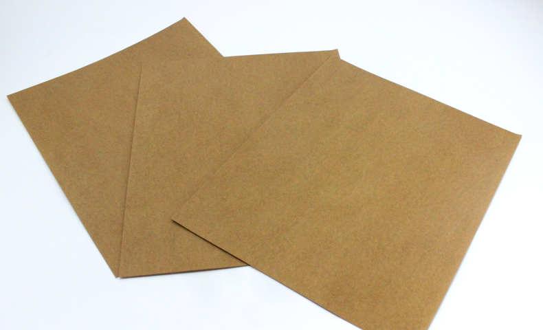 ペイントする前に紙やすりでヤスリ掛け