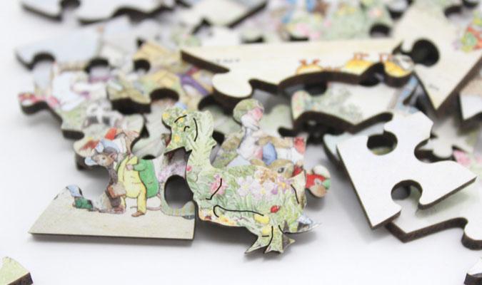木製ジグゾーパズル