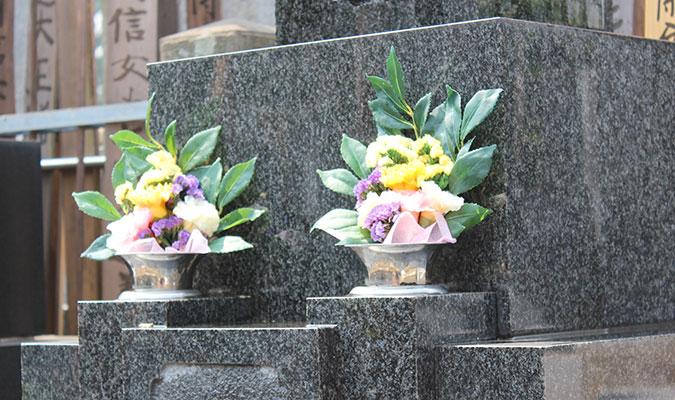 屋外のお墓に飾れるプリザーブドフラワー、プリザーブド仏花。