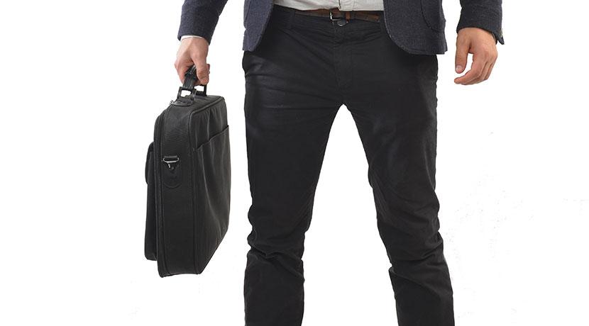 鞄を床に置きたくないときに便利、鞄を床に直置きしないためのグッズ。