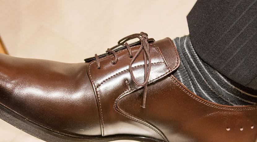 靴ひもがホドケルイライラを解消、シューレース タイト リキッド(コロンブス)