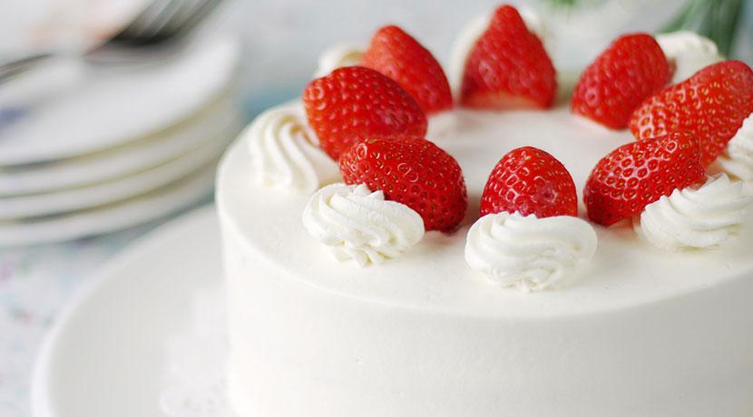ケーキがきれいに切れる電動ナイフ、超高速2枚刃でケーキやパンがきれいに切れます。
