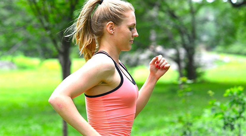 消費カロリーを計測してくれる、リストバンド型の活動量計。