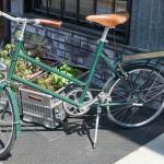 自転車の盗難防止に高い効果?鳥のうんちシール。