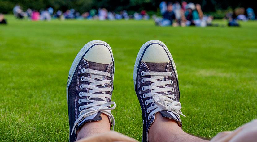 靴の中が暑いなら、冷感インソールで靴の中の暑さ対策ができます。