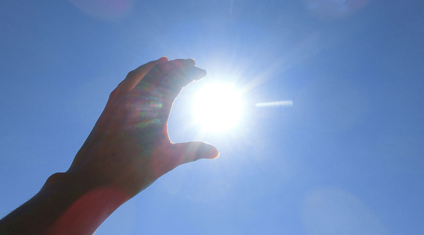 iPhoneの充電が太陽光でできる、ソーラー充電器、WAKAWAKA。