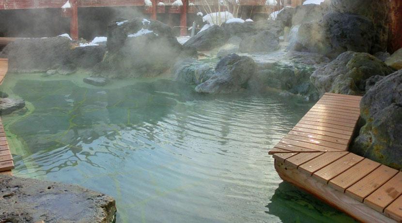 温泉旅行をギフトにするなら、旅行券よりカタログギフト