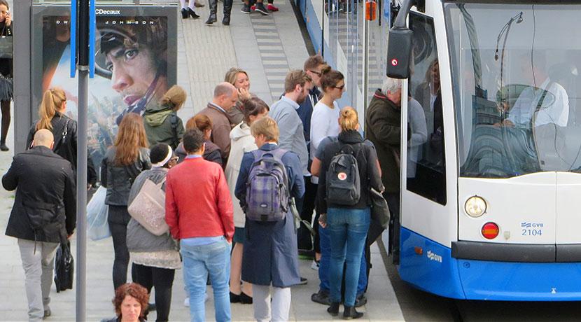 ウルフパック(wolffepack)、満員電車でも気兼ねなく背負えるリュック。