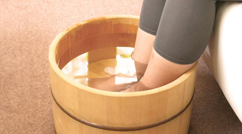 履くだけで暖かいスリッパ、足がとにかく暖まります。