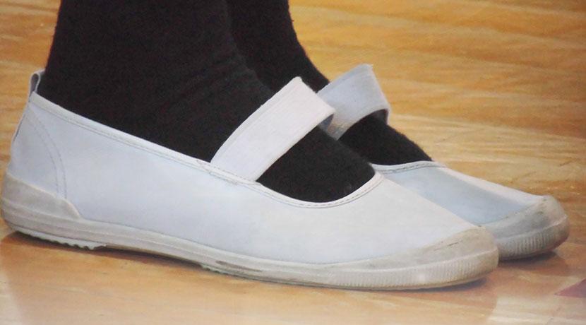 靴下の穴を補修するためのシール。