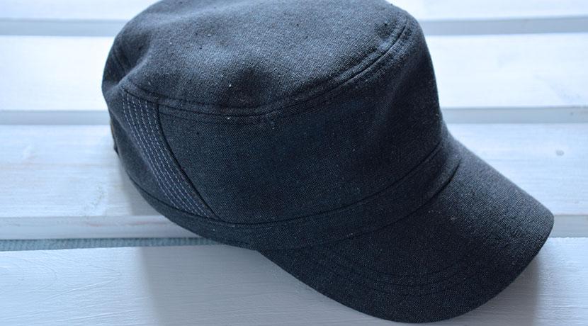 耳の寒さ対策に、キャップ(帽子)に取り付けられる耳あてバンド。