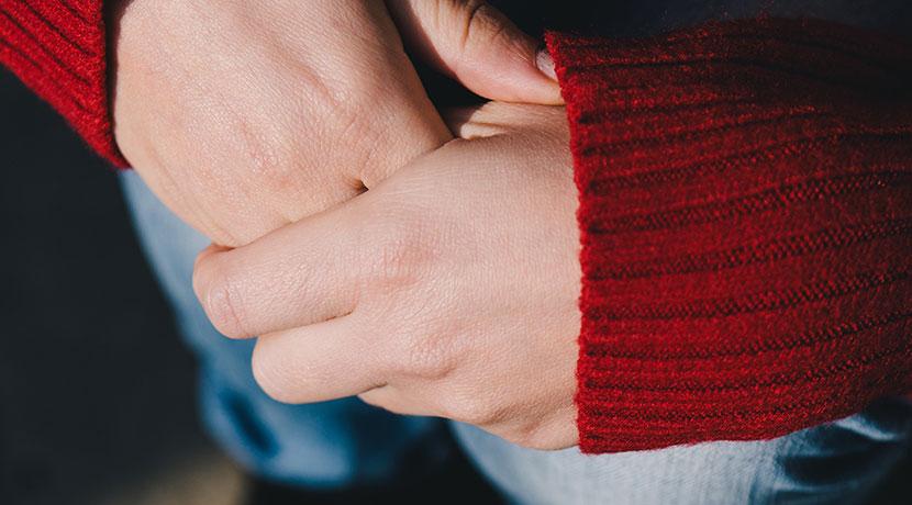 手袋をしてても寒いなら、ヒーター内臓の手袋を。