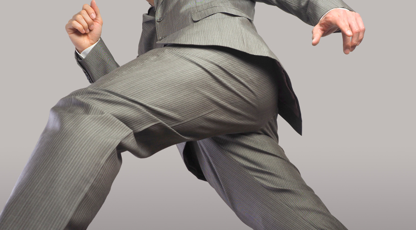 ズボンプレッサーはしわになりにくい透明で中が見えるタイプがおすすめ。