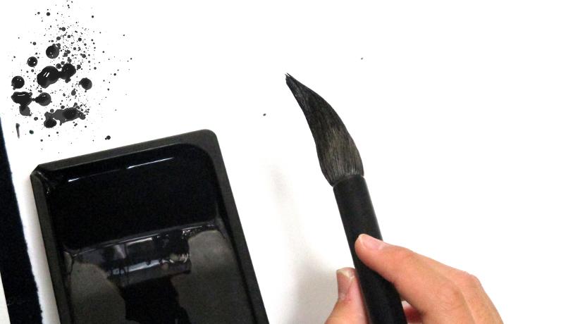 スマホやタブレットに筆文字が書けるタッチペン。