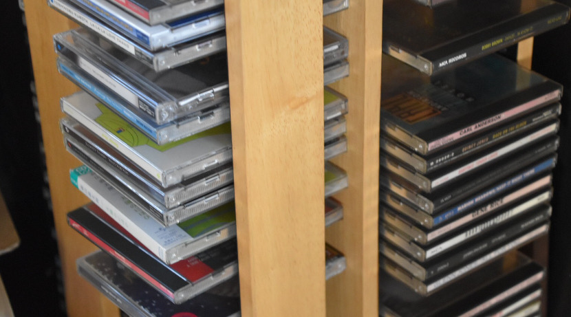 パソコンを使わずに、簡単にCDをiPhoneに取り込むためのアイテム。