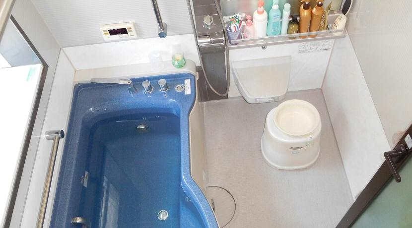 洗い場用のマットにおすすめ、防カビ加工が施されたパタッとスノコ。