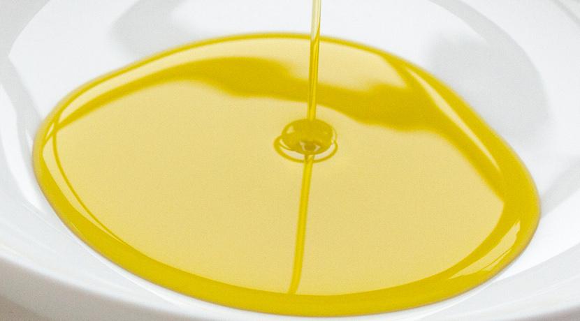 オリーブオイル瓶のオイル垂れを防止!瓶の口にはめるステンレス製の口金。