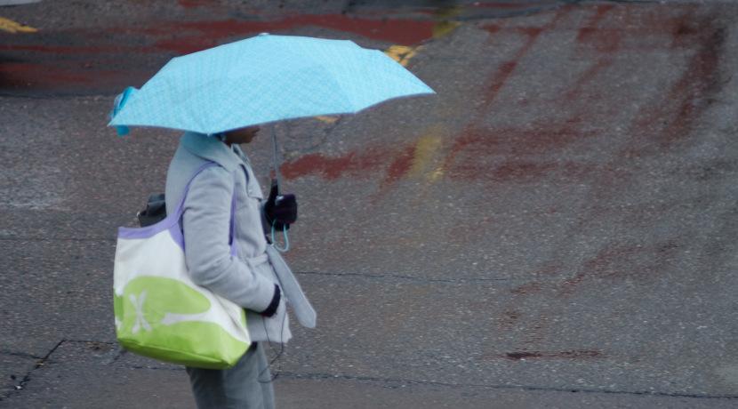 雨の中でも文字が書けるノート。