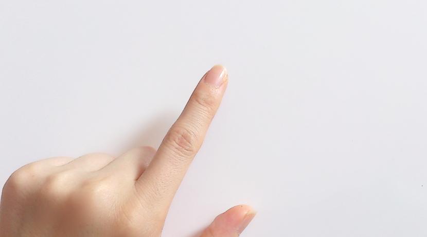 爪が薄い、割れやすいなら、爪切りよりも、爪削り。