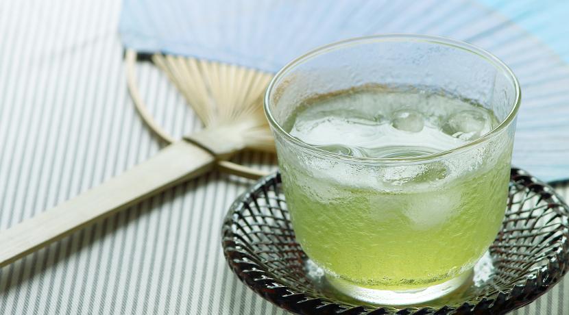 急須が面倒な方におすすめ、お茶の葉を粉にして飲むためのグッズ。
