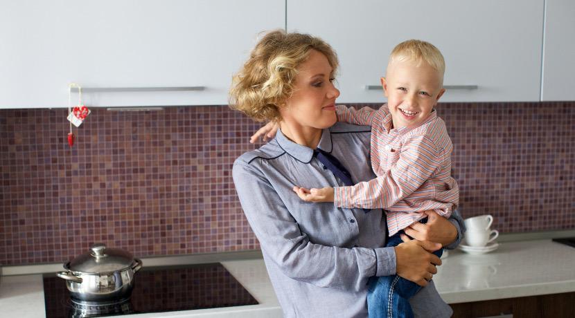 片手抱っこのための紐!18kgまでのお子さんの片手抱っこをサポートします。