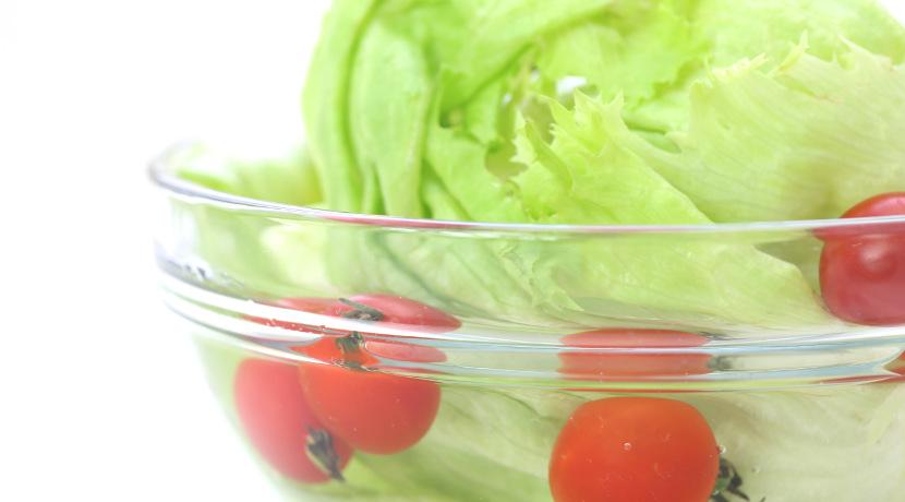 キャベツを長持ちさせるグッズ、芯に刺すだけで葉物野菜の鮮度を維持します。