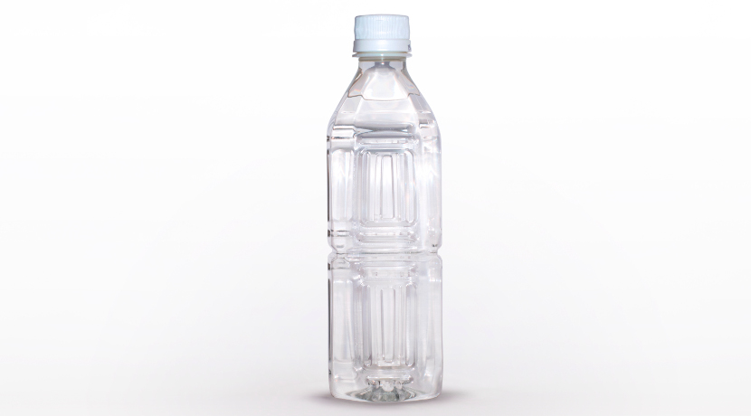 ペットボトルをストローで寝ながら飲んでもこぼれない!便利なストローキャップ。