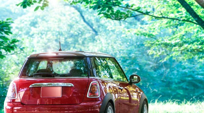 車の日よけ・紫外線対策なら、窓の開閉ができるタイプがおススメです。