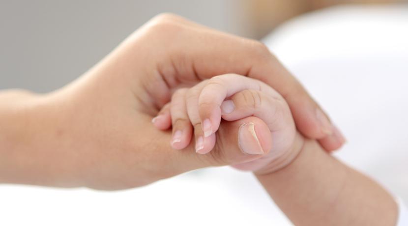 赤ちゃんの手形用のインク、安全性や保存性に優れて手形の保存におすすめです。