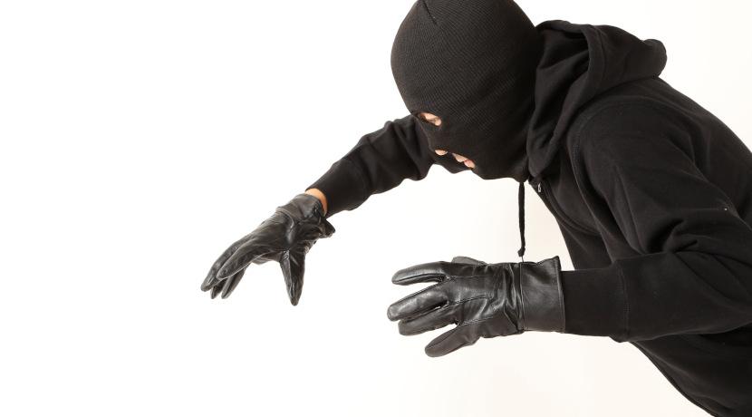 リュックを開けられるのを防ぐ、ファスナーが見えない防犯リュック。