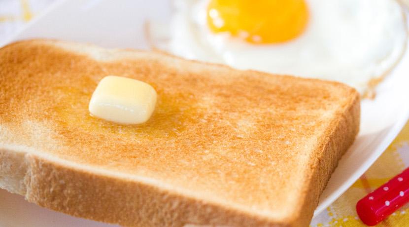 食パンをトースターで美味しく焼くためのグッズ、トースター内に水分が行き渡ります。